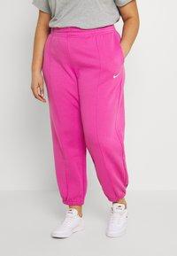 Nike Sportswear - Pantalones deportivos - active fuchsia/white - 0