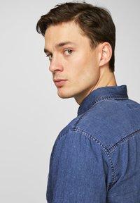 Produkt - Shirt - medium blue denim - 3