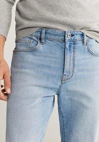 Mango - TOM TAPERED FIT - Jeans slim fit - hellblau - 3