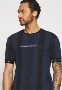 Kings Will Dream - VEDTON STRIPE TEE - T-shirt imprimé - black iris/black - 3