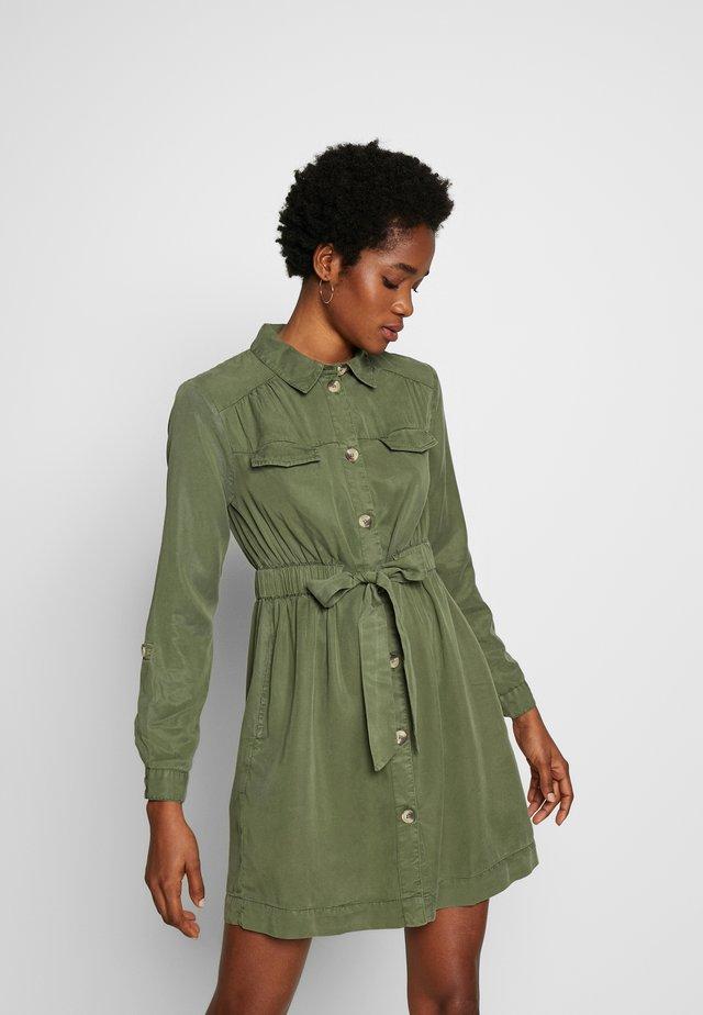 DRAWSTRING SHIRT DRESS - Blusenkleid - khaki