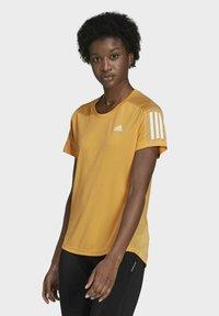 adidas Performance - OWN THE RUN T-SHIRT - T-shirt con stampa - orange - 0