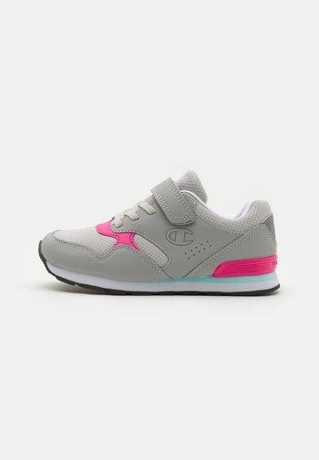 LOW CUT SHOE ERIN UNISEX - Sports shoes - light grey