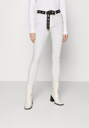 ONLPAOLA LIFE - Jeans Skinny Fit - white
