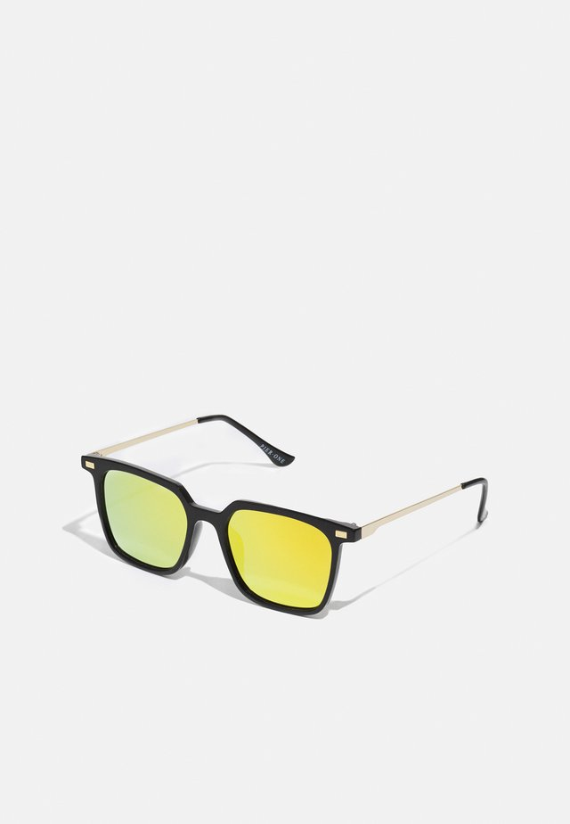 Zonnebril - black/yellow