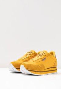 Woden - NORA II PLATEAU - Sneaker low - mango - 4
