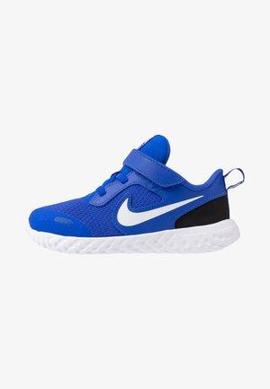REVOLUTION 5 TDV - Zapatillas de running neutras - racer blue/white/black