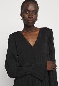 Holzweiler - RICA PLEAT DRESS - Day dress - black - 3