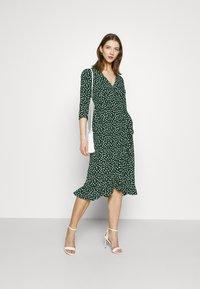 Vero Moda - VMHENNA WRAP CALF DRESS - Kjole - pine grove - 1