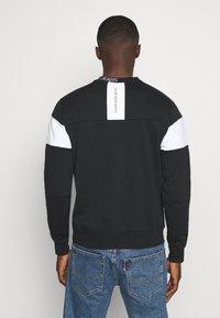 Calvin Klein Jeans - Bluza - black - 2