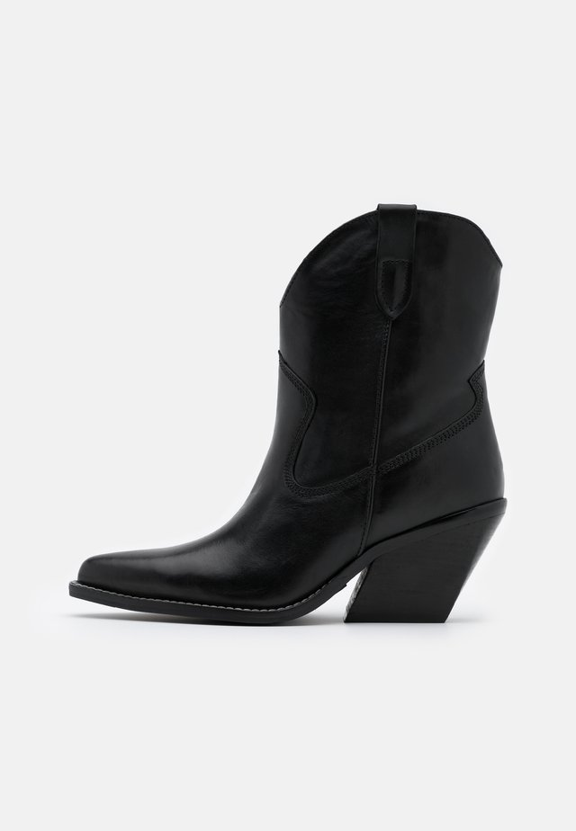 LOW KOLE - Cowboy/biker ankle boot - black