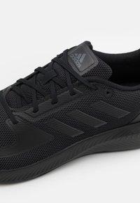 adidas Performance - RUNFALCON 2.0 - Obuwie do biegania treningowe - core black/grey six - 5