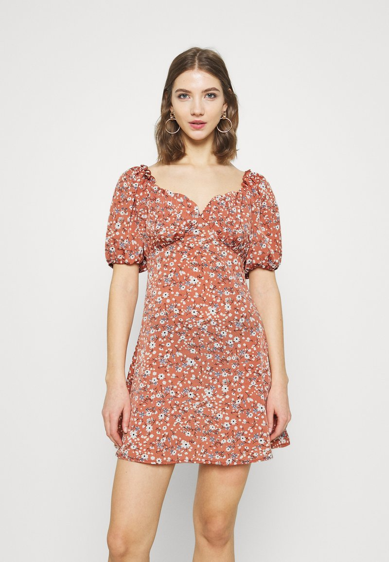 Missguided - MILKMAID SKATER DRESS FLORAL - Kjole - pink