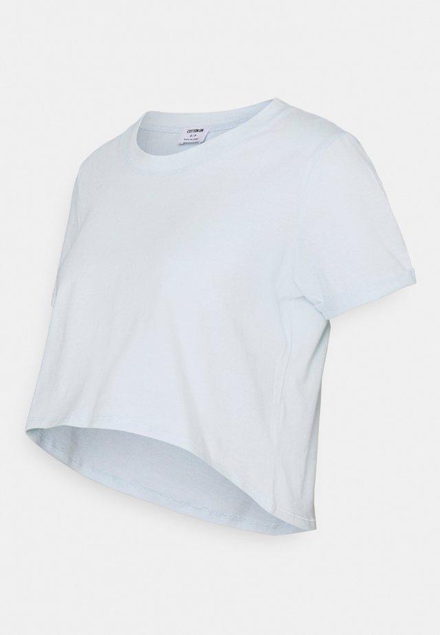 MATERNITY HIGH LOW SHORT SLEEVE - T-shirt basic - illusion blue