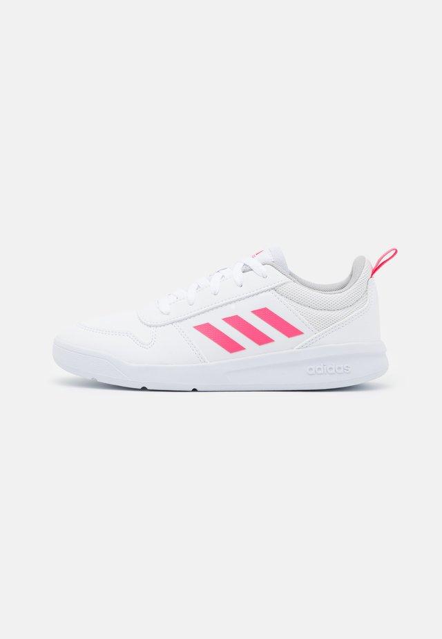 TENSAUR UNISEX - Scarpe da fitness - footwear white/real pink