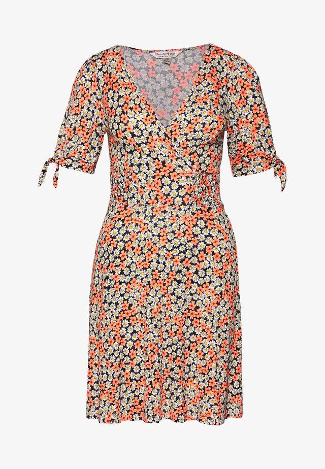 FLORAL WRAP TEA DRESS - Jersey dress - pink