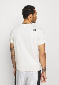 The North Face - CENTRAL LOGO  - T-shirt med print - vintage white - 2