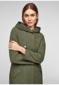 s.Oliver - MIT TAILLIERUNG - Short coat - khaki - 6