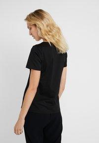 MICHAEL Michael Kors - T-shirt imprimé - black/silver - 2