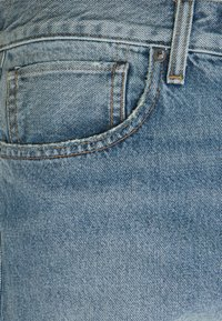 Levi's® Made & Crafted - LOOSE SHORT - Farkkushortsit - light blue denim - 2