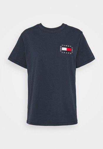 HORIZONTAL STRIPE TEE - T-shirts med print - twilight navy