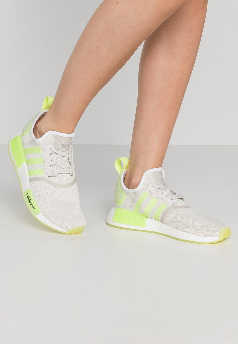 adidas Originals - NMD_R1  - Sneakers basse - talc/hi-res yellow