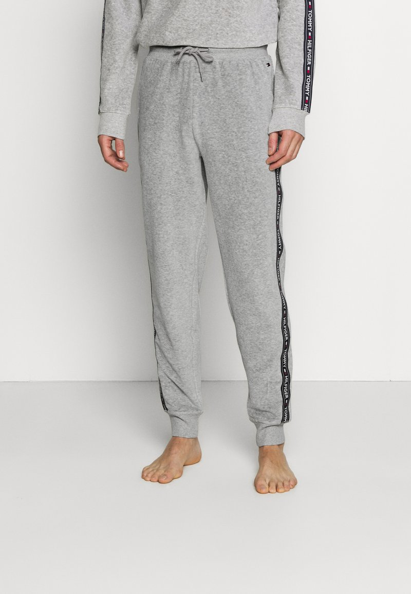 Tommy Hilfiger - TRACK PANT - Pyjamahousut/-shortsit - mid grey heather