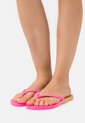 SLIM FIT GRADIENT FLUO - T-bar sandals - white/fluorescent pink flux