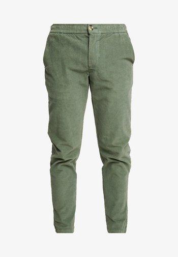 RON PANTS - Kangashousut - duck green