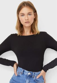 Stradivarius - BODY MIT GEKREUZTEM RÜCKEN - Long sleeved top - black - 3