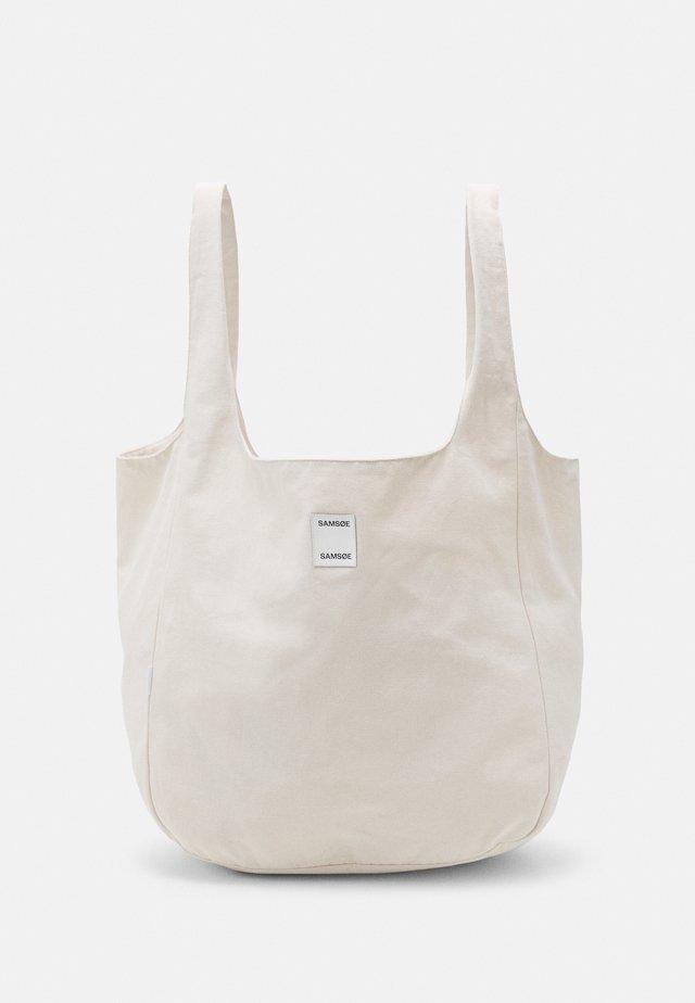 ANNE SOLID SHOPPER - Shopping bag - warm white