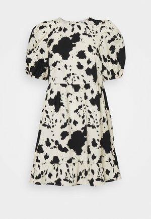 SOSSO DRESS - Vapaa-ajan mekko - black