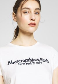 Abercrombie & Fitch - LONG LIFE LOGO - Camiseta estampada - white - 3
