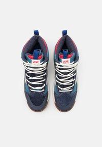 Vans - ULTRARANGE EXO MTE UNISEX - Skate shoes - navy - 3
