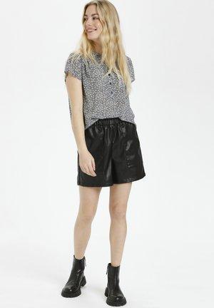 CUMELISSA - Shorts - black