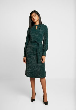BXPIINA DRESS - Pletené šaty - majestic green