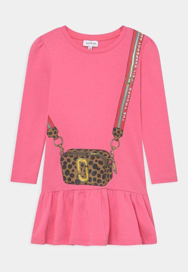 DRESS - Jersey dress - fuschia