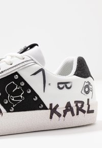 KARL LAGERFELD - SKOOL BANDANA LACE - Joggesko - white/black - 2