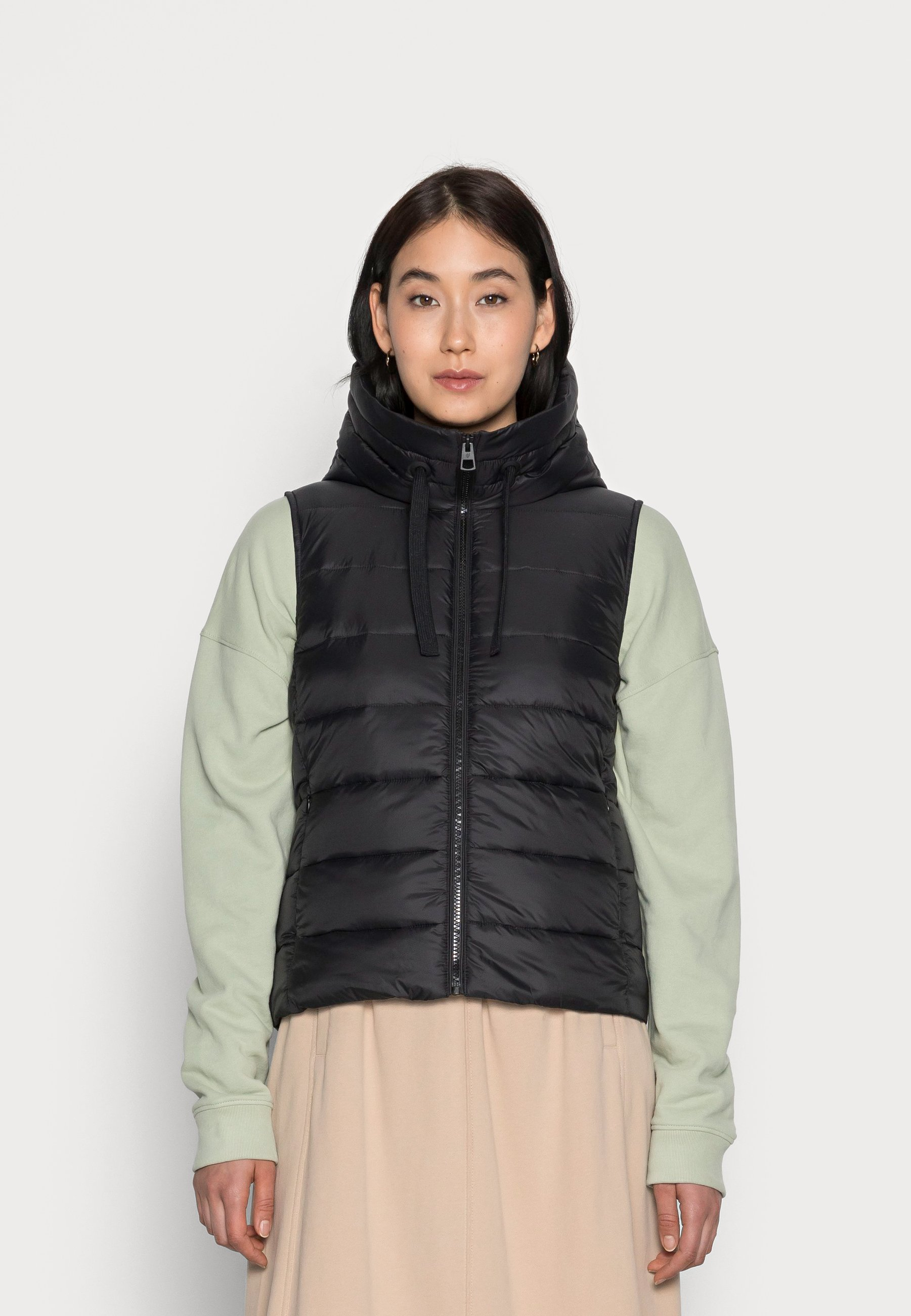 Femme RECYCLED VEST FIX HOOD STAND UP COLL - Veste sans manches