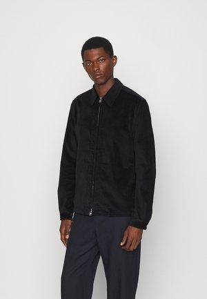 EPINAL  - Lehká bunda - black
