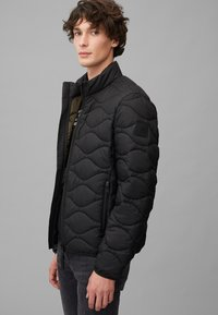 Marc O'Polo DENIM - MIT SLOW DOWN - NO DOWN-WATTIERUNG - Winter jacket - black - 2