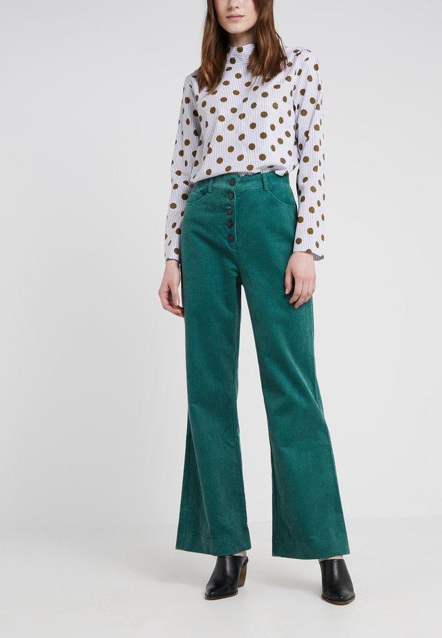 CURTIS - Spodnie materiałowe - posy green