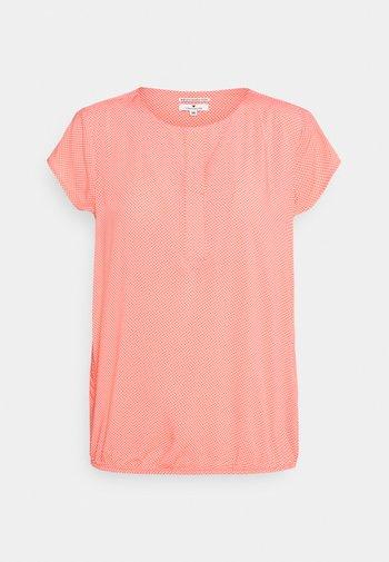 WITH FEMININE NECKLINE - Blouse - peach/white