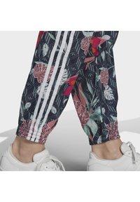 adidas Originals - Pantalon de survêtement - green - 3