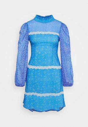 AYRA MINI DRESS - Vapaa-ajan mekko - blue