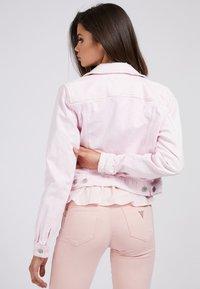 Guess - REGULAR FIT - Denim jacket - hellrose - 2