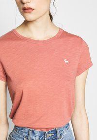 Abercrombie & Fitch - ICON CREW TEE  - Jednoduché triko - pink - 4