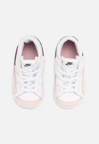 Nike Sportswear - BLAZER MID '77 - Baskets montantes - white/black/arctic punch - 3