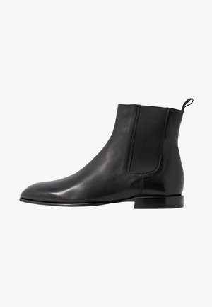 FALLON LOW CHELSEA BOOT - Nilkkurit - black