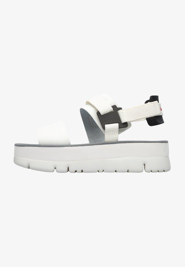ORUGA UP - Sandały na platformie - weiß